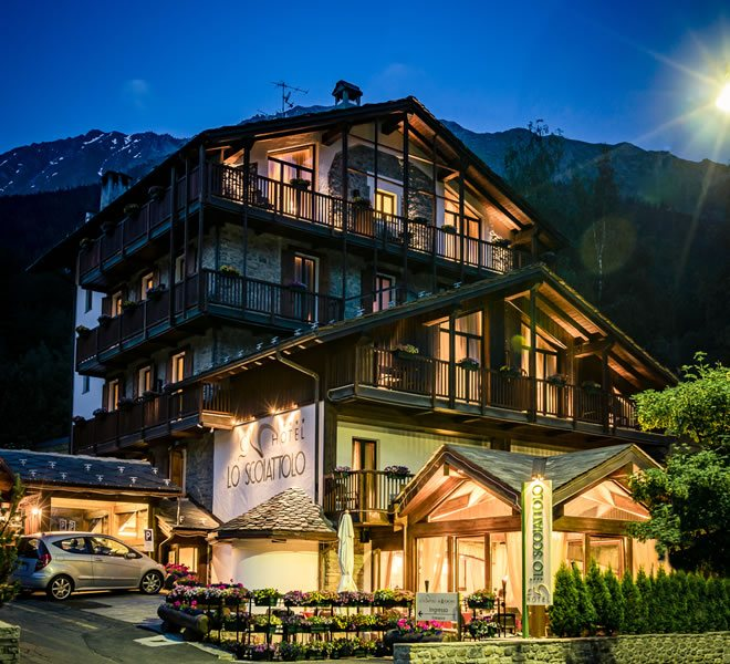 4 Star Hotel In Courmayeur Mont Blanc Lo Scoiattolo Hotel